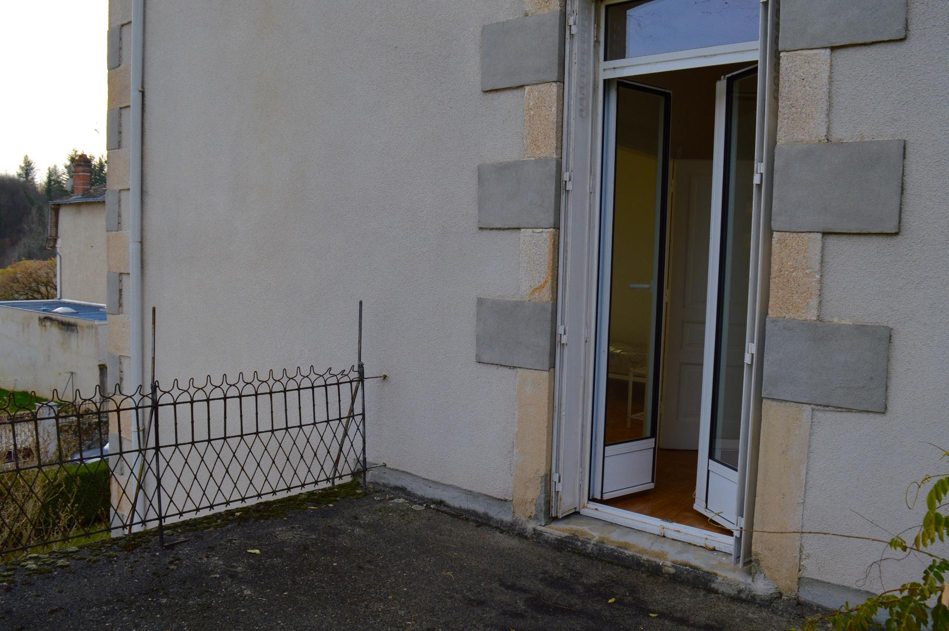 Vente saint priest taurion maison avec garage for Garage saint priest